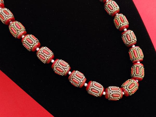 Collar tradicional tibetano de coral.. Foto 4
