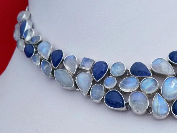 Collar de plata con gemas de Tanzanita y Piedra de luna.. Foto 2