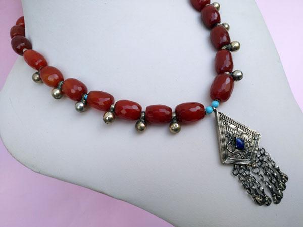 Collar etnico turcomano. Foto 2