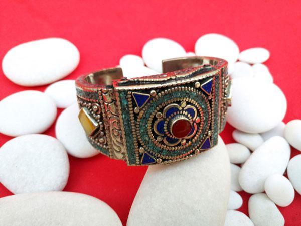Pulsera etnica tradicional tibetana.. Ref. TVB