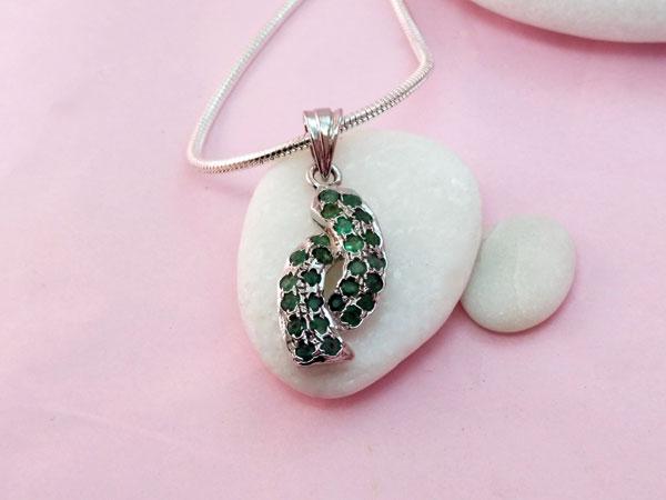Colgante de plata y gemas de Esmeralda.. Foto 2