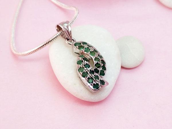 Colgante de plata y gemas de Esmeralda.. Foto 3
