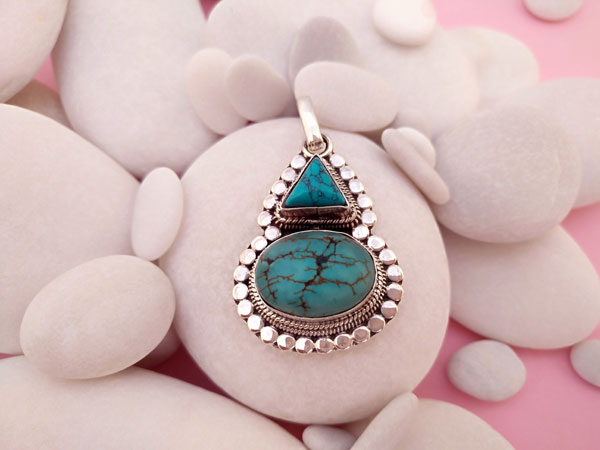 Tibetan Turquoises and Sterling silver pendant.. Foto 1