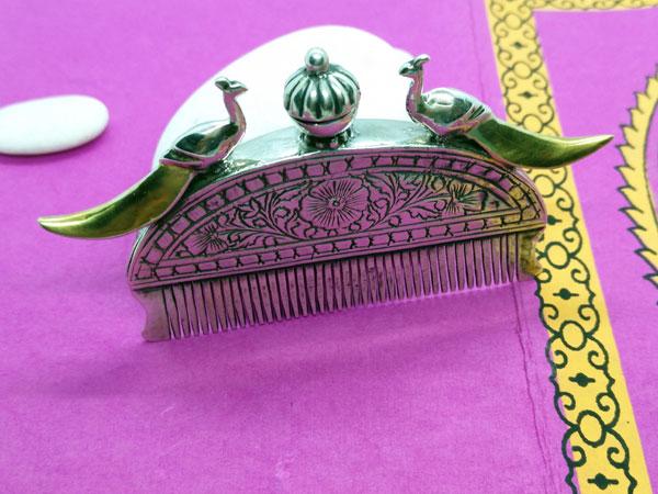 Antiguo peine etnico Rajhput de plata.. Foto 2
