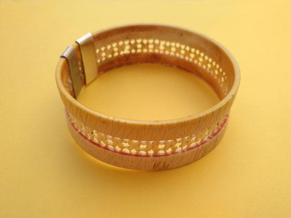 Antigua pulsera de marfil labrada artesanalmente.. Foto 2