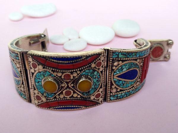 Tibetan handmade ethnic bracelet.. Foto 3