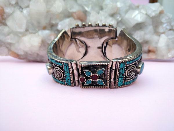 Tibetan traditional ethnic bracelet.. Foto 4
