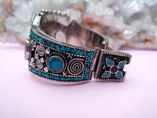 Tibetan traditional ethnic bracelet.. Foto 5