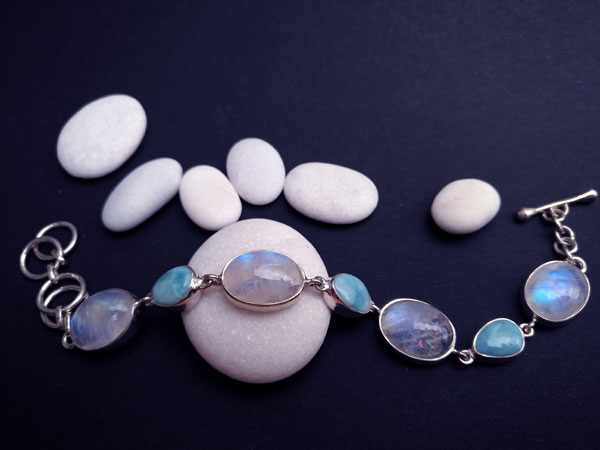 Pulsera de plata con gemas de Larimar y Piedra de luna.. Ref. TXN