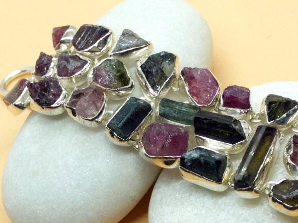 Handmade Sterling silver and tourmaline gem bracelet.. Foto 2