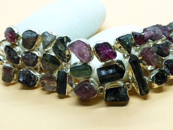 Handmade Sterling silver and tourmaline gem bracelet.. Foto 3