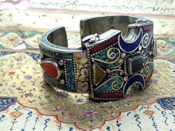 Tibetan ethnic handmade bracelet.. Foto 2