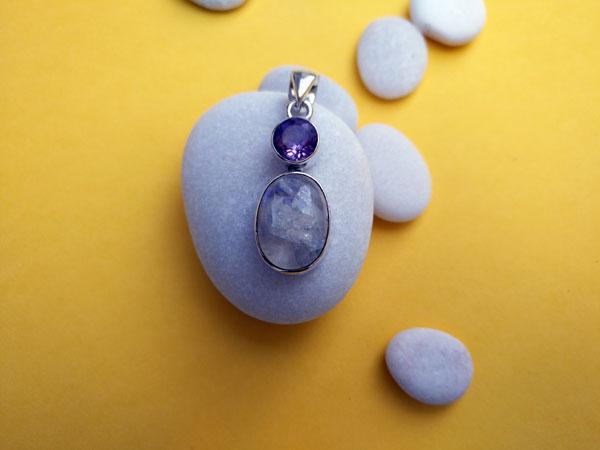 Colgante artesanal de plata con Amatista y Piedra de luna.. Foto 3