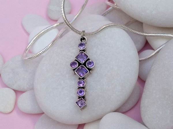 Ethnic Sterling silver and amethyst pendant.. Foto 1