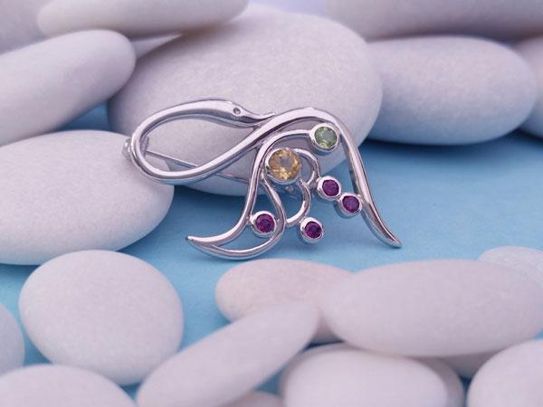 Broche de plata y gemas.. Foto 2