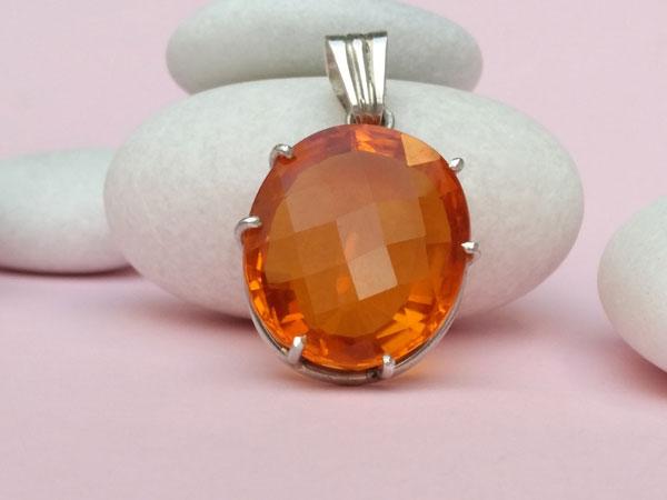 Citrine quartz gemstone set in Sterling silver.. Foto 2